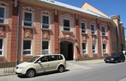 Zdravotní středisko Tršice - vchod na rehabilitaci